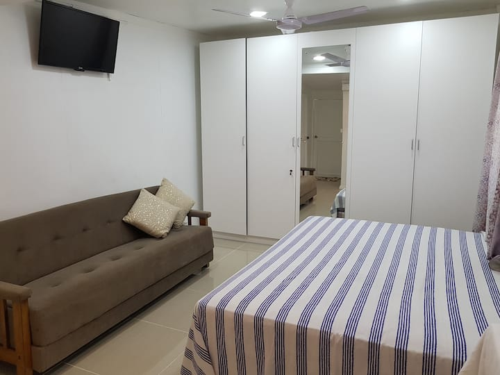 Saweni Beach Home ( Narayan's Residence)