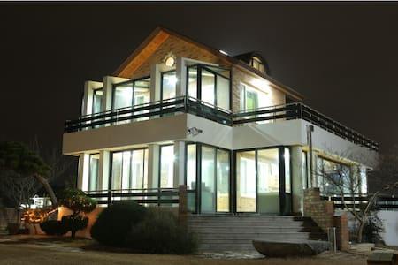 소나무정원 커플룸 - Gangneung-si