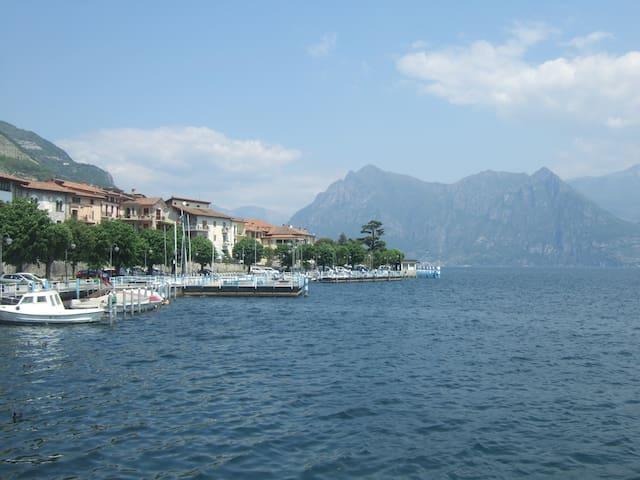 """""""STARDUST home"""" appartamento luminoso vista lago - Province of Bergamo - Daire"""