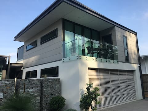 Slick bespoke resort style apartment