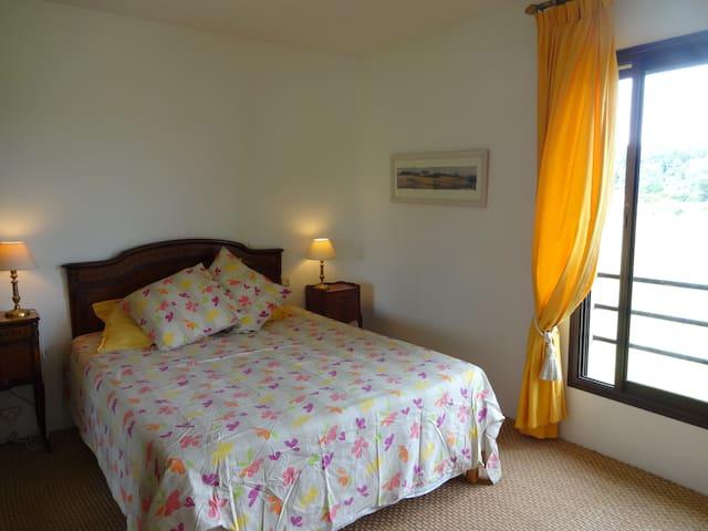 grande chambre privée - Clapiers - Villa
