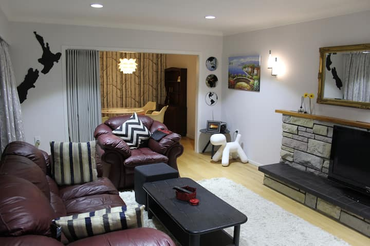 Sunny private Home in central location
