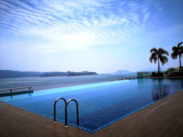 Sunset Seaview Infinity Pools #  市中心无敌海景屋&无边游泳池