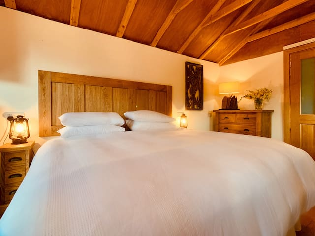 Rose Cottage Summer Cabin has a luxurious Super King Size bed with a heavenly mattress topper.