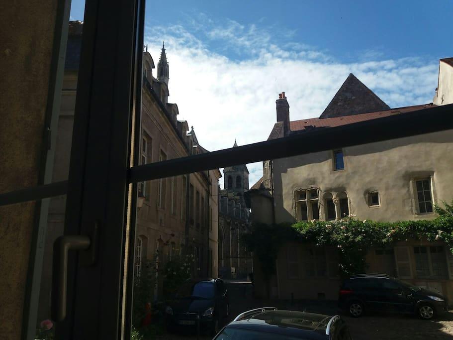 Vue depuis la fenêtre de la pièce principale