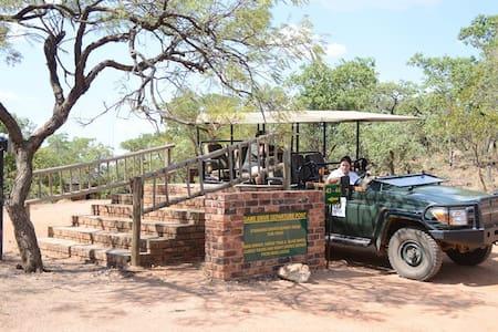 Safari Bushveld Getaway - Villa