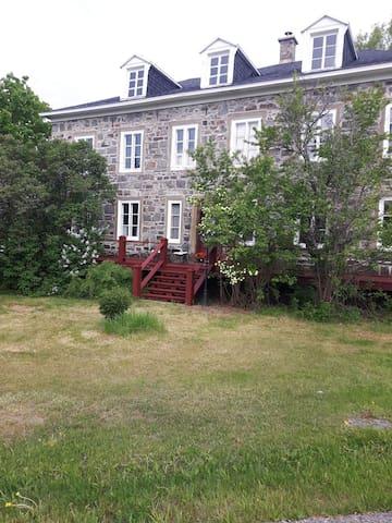 La Belle D'Antan (Appartement dans maison  privée)