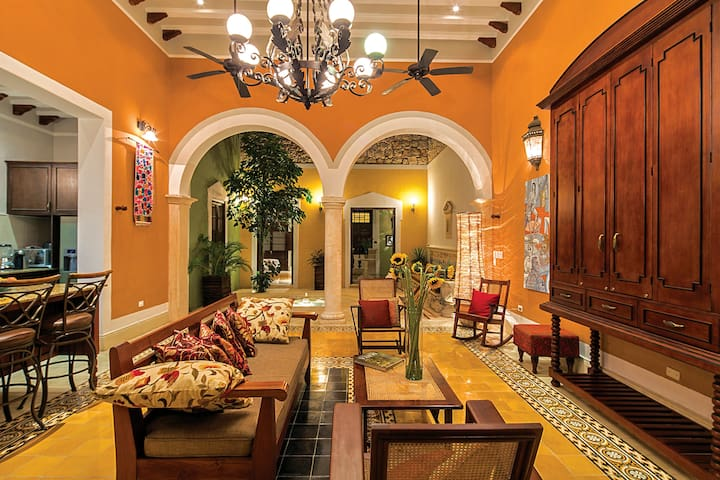 Casa Castellanos, a luxury city retreat!