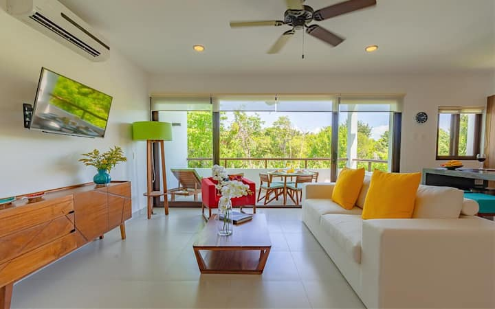 Trendy Colorful Loft- Spectacular Views & Free Access to Resorts at beach