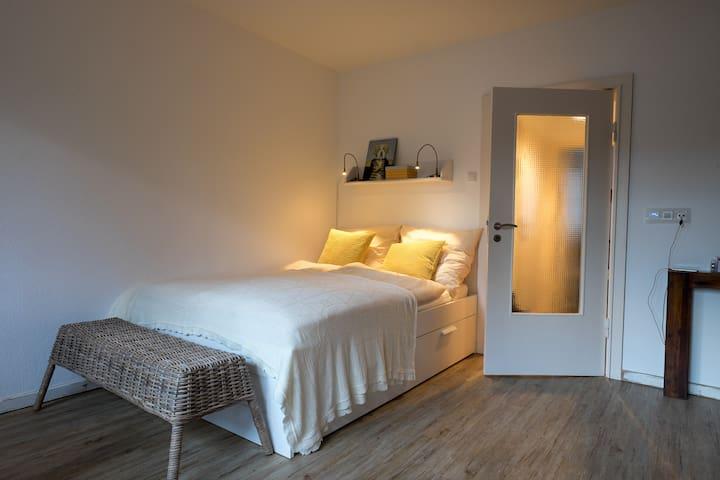 Tolle Wohnung, zentral& wassernah - Kiel - Lejlighed