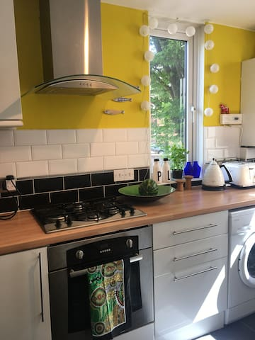 Charming Muswell Hill Flat (child-friendly)