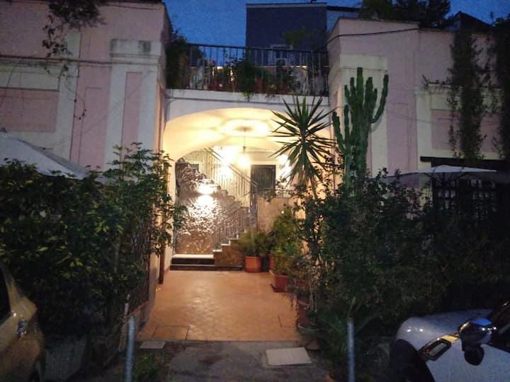 Crociferi apartment il Melograno
