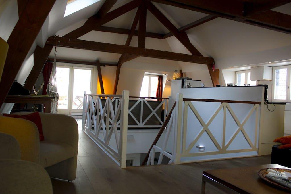 Duplex confortable place de brouck re lofts louer for Appartement atypique bruxelles