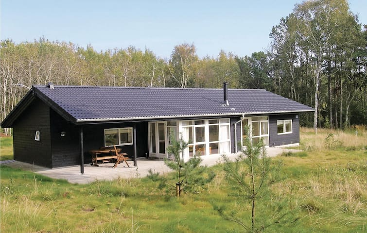 Holiday cottage with 3 bedrooms on 115m² in Sæby