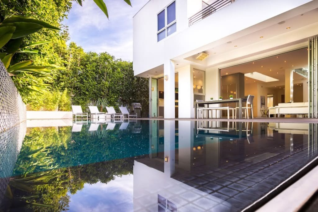 Brand new modern luxury estate houses for rent in los for Luxury houses for rent in los angeles