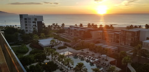 Hyatt Danang 1bed/1.5bath OCEAN VIEW stunning 7F