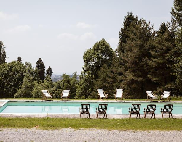 Ampio appartamento in villa storica con piscina