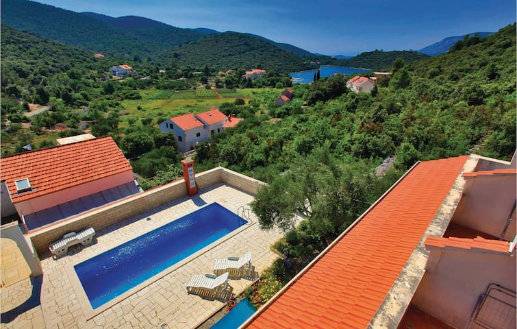 Holiday apartment with 1 bedroom on 26m² in Korcula