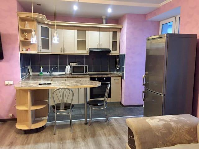 "Apartment ""Pink blues"" near metro Gagarina"
