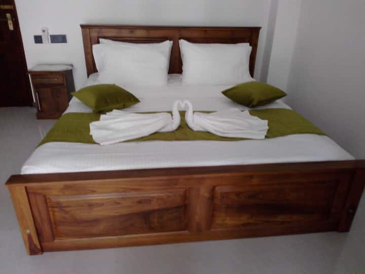 Mirissa Villa Vista  Two Luxury Rooms, 2 baths