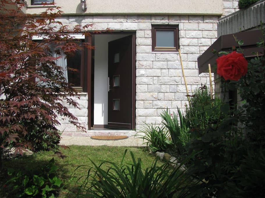 Entrance apartment Sun