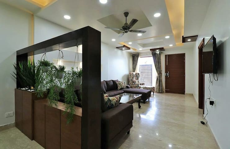 Luxurious 3 BHK Home | Mussoorie