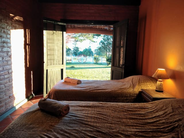 'La Selva' - King/twin room with private bathroom
