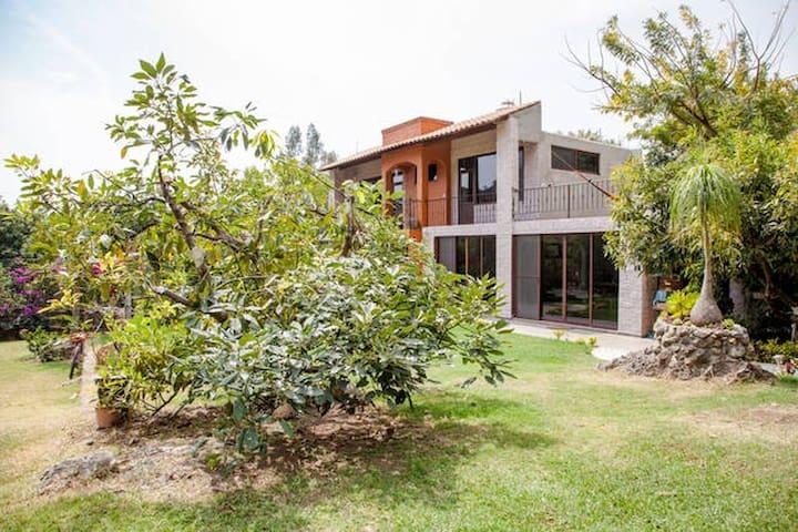 Casa en la Montaña Mágica! - Cuernavaca - House