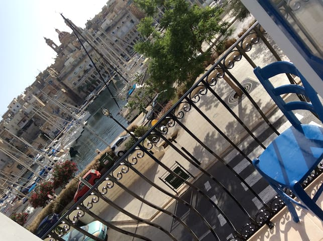 Harbour Creek (Free wifi) - Birgu