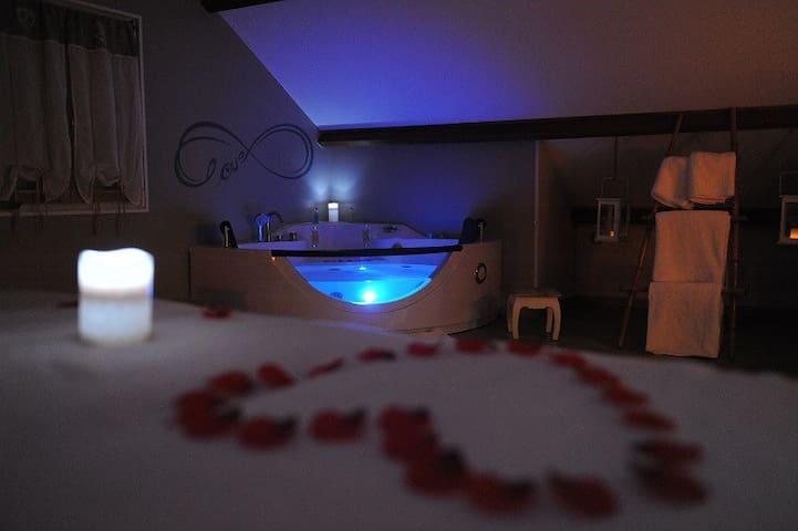 Nuit romantique , cocon de 110m² avec Jacuzzi.