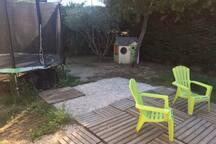 jardin (trampoline, maisonnette)