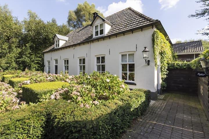 Romantische hallenboerderij op de Veluwe