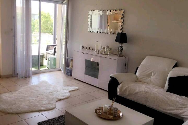 Appt T3 Cosy et Lounge  dans Résidence Privée