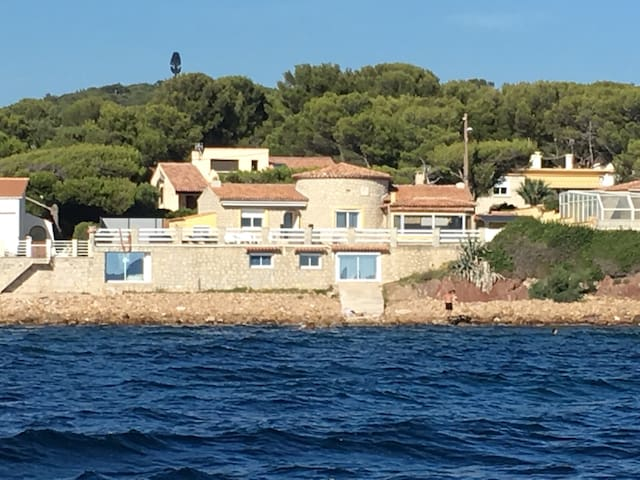 Villa Albatros exceptional on beach - Saint-Mandrier-sur-Mer - House
