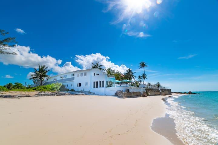 Beach Front Villa Pittura Bellissimo - Cable Beach