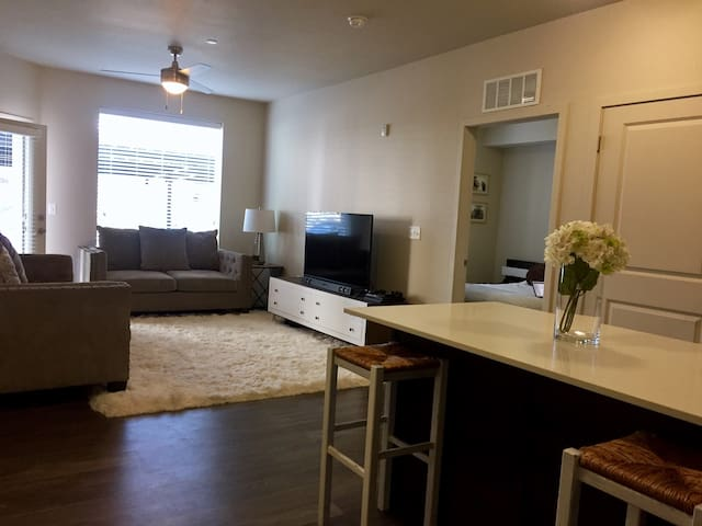 Modern living in the heart of Orem - Orem - Apartment
