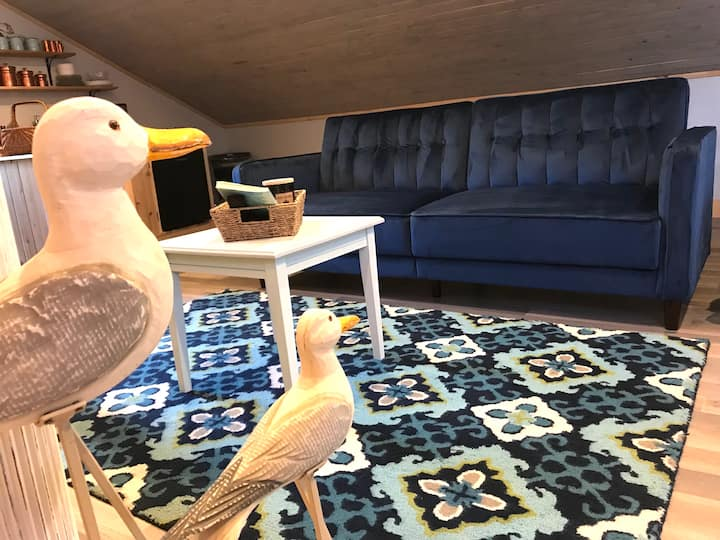 Puffin's Nest romantic loft enhanced clean getaway