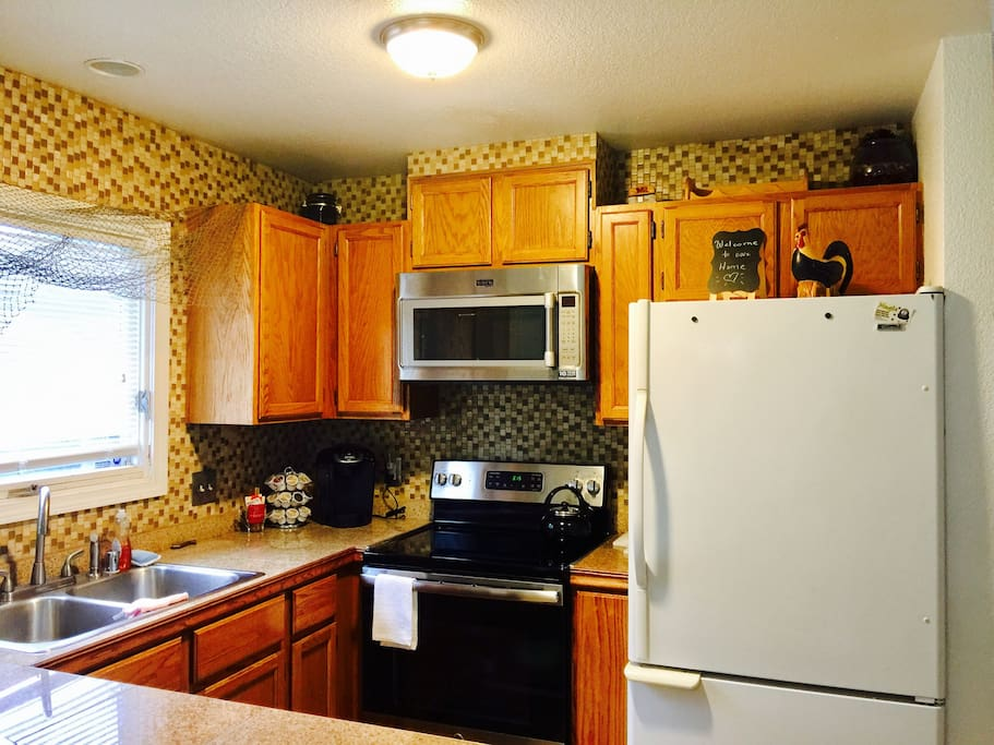 Kitchen is all yours. Of course there's coffee! Let your inner chef out- Bon Appétit!