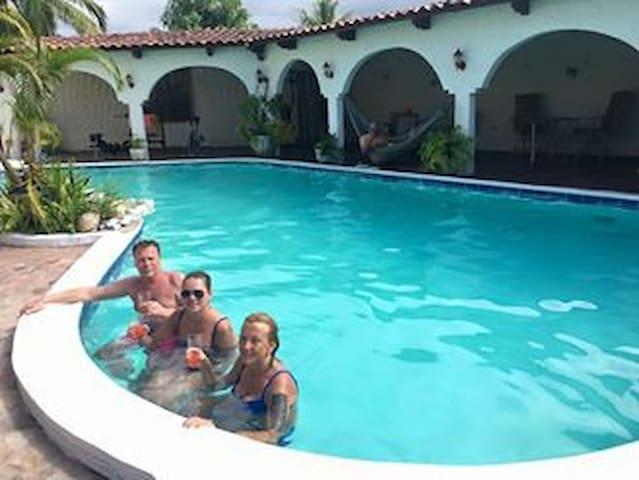Caribbean Dream / priv bath - wc.