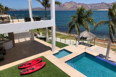 Casa Los Kayaks