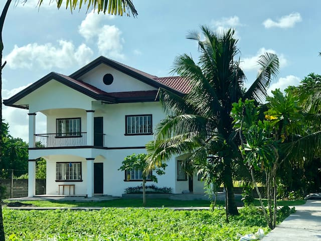 Casa Morga-Furnished Unit (Mayon View w/ Big Lawn)