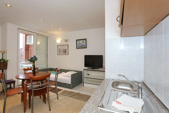 Zara Apartment 7- FIRST ROW SEA VIEW - Turanj - Lägenhet