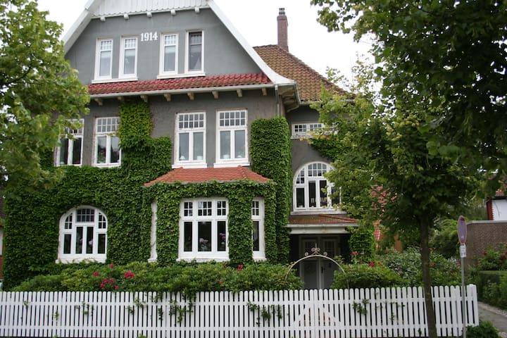 Idyllische Stadtvilla unweit der Kieler Förde