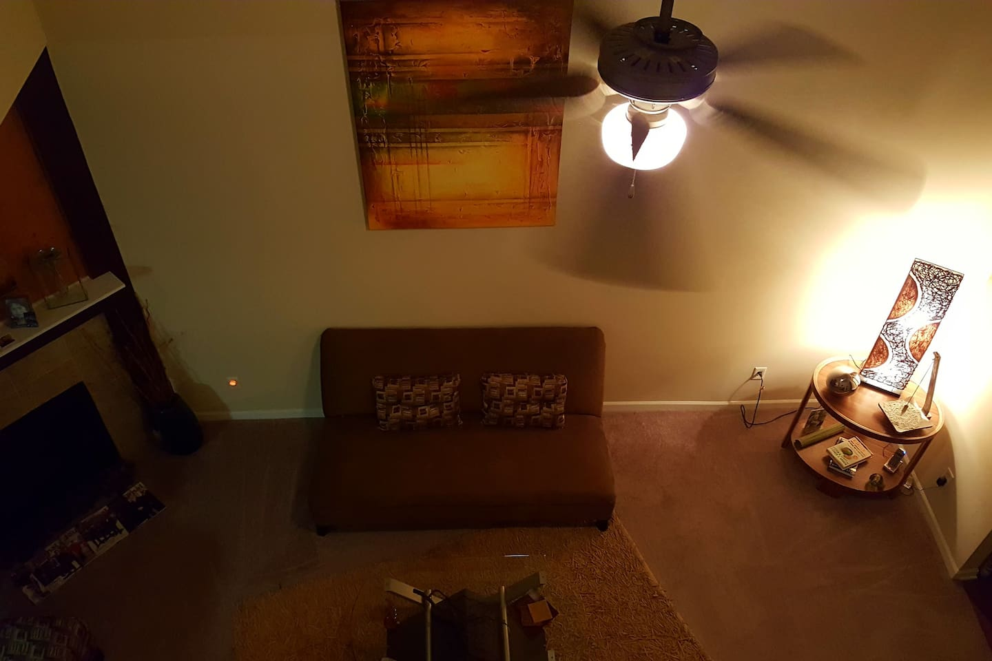 A quiet crashpad to meditate and recharge...