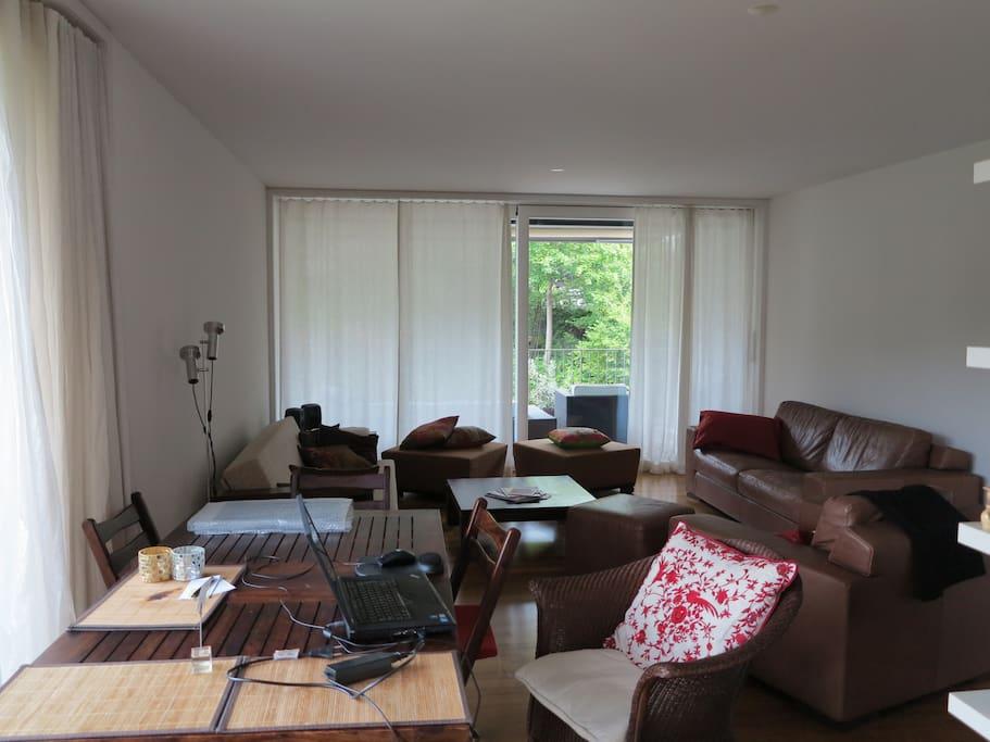 FLAT: living room