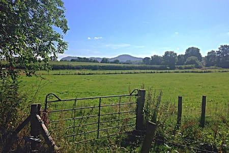 Tan y Gaer, Gaer Hall Estate, Guilsfield,Powys - Guilsfield - Casa
