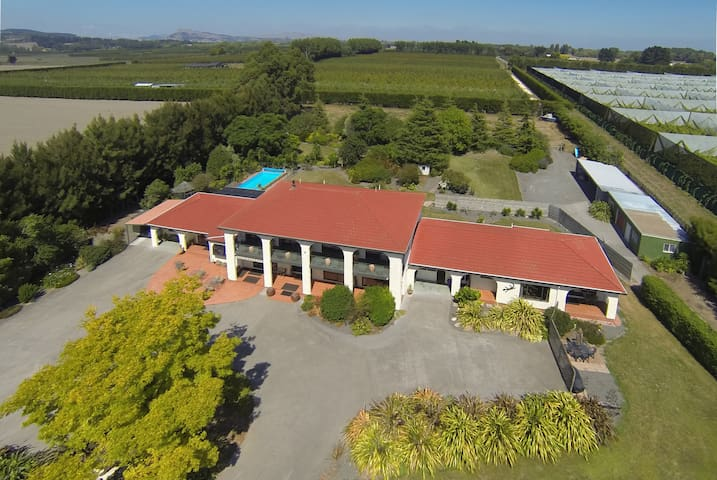 Parkhill Lodge - Villa + Heated Pool - Haumoana - Wohnung