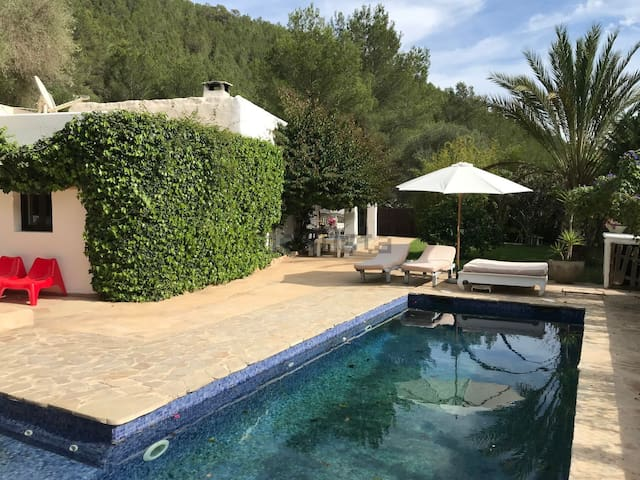 Room in a boho luxe finca close to ibiza town