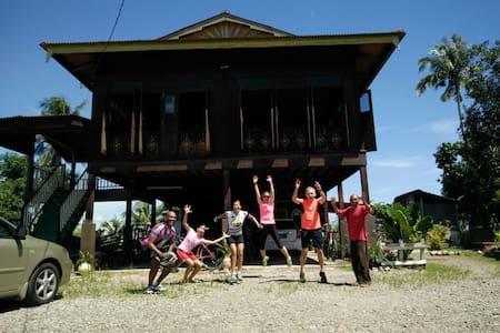 Bungalow Mat Hj Limah - Natuur/eco-lodge