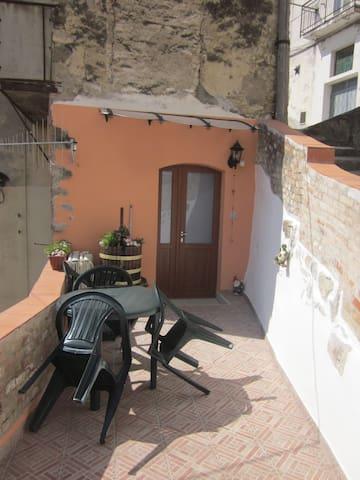 CASA GROTTINA Calitri Borgo Antico - Calitri - Casa